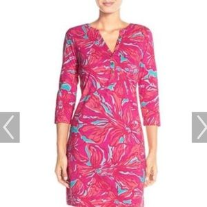 Gorgeous Lilly Pulitzer Classic T-shirt Dress!
